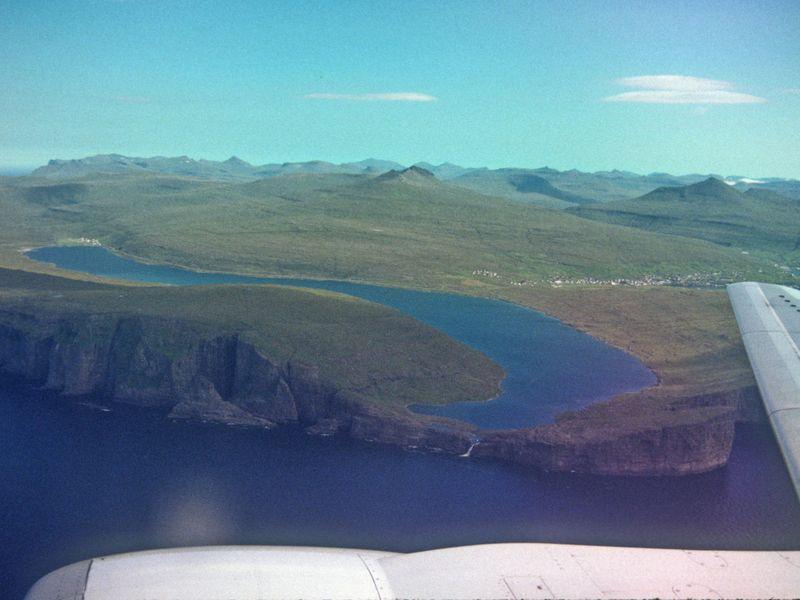 Sorvagsvatn - lake over the ocean