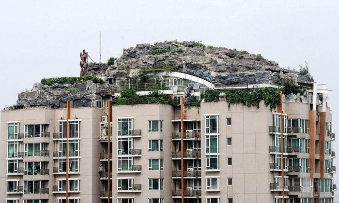 Mountain Villa on Top of Apartment Block