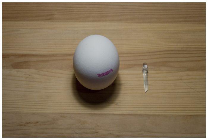 Eggshell Light