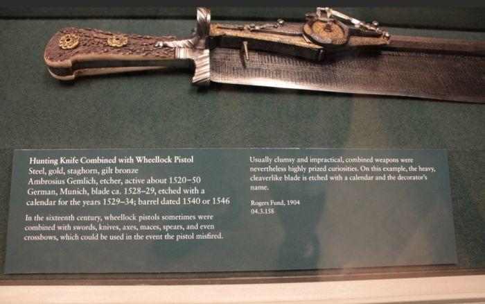 Pistol Knife Calendar