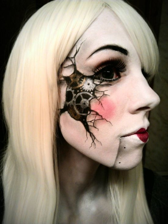 This Girl is Good at Makeup