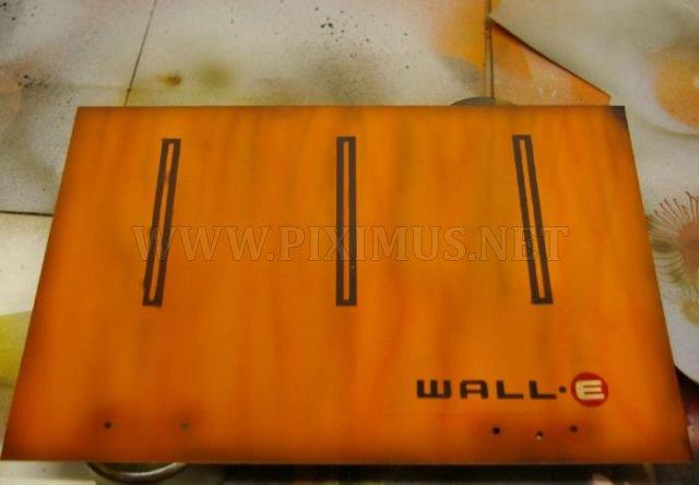 Unique 'Alive' Case Mod WALL-E