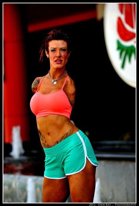 Unarmed Bodybuilder Barbie Thomas
