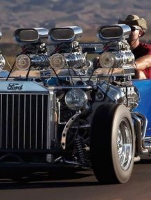 Hot-rod 1927 Ford Model T with two engines