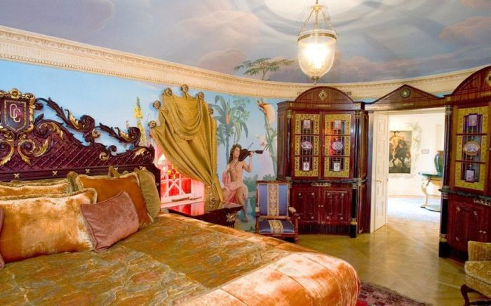 Versace Mansion is Sold