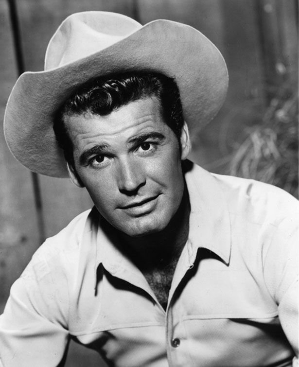Old actors looking hot back in the day celebrities for How old was james garner when he died