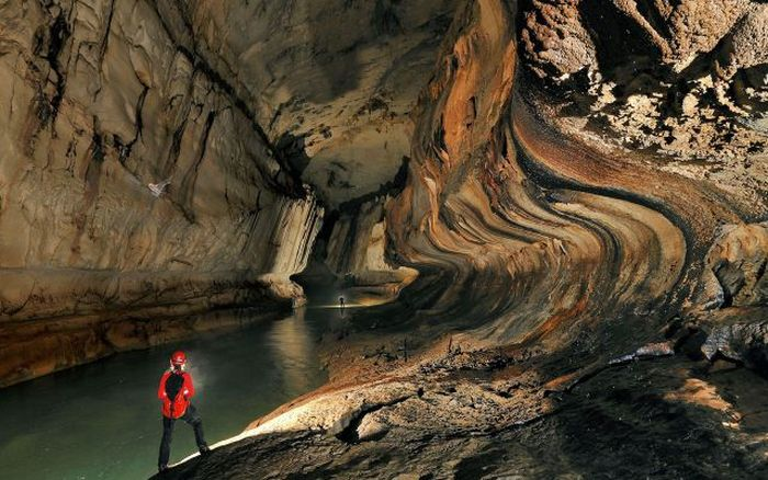 Beautiful Cave Others - Er wang dong cave china large weather system