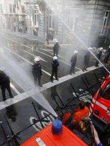 Belgian Firefighters vs Riot Police