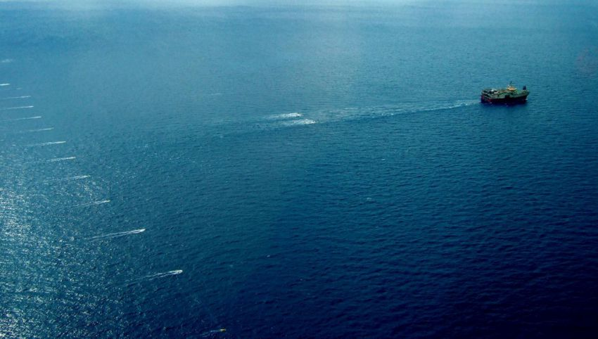 An unusually wide ships - Ramform Titan