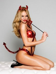 Candice Swanepoel in sexy Halloween lingerie