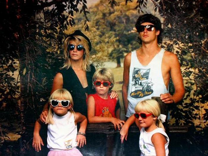 weird family portraits