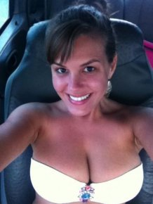 Sexy car selfies