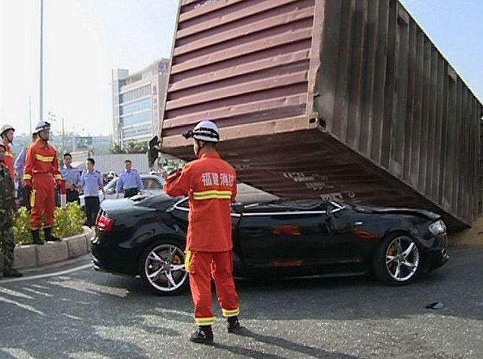 Couple Survives a Terrible Crash