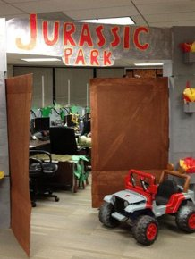 Jurassic Park Halloween Office Decoration