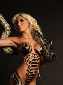Khloe Terae sexy with snake