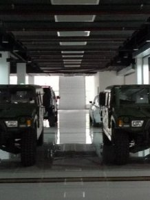 Chinese Hummer and G-class