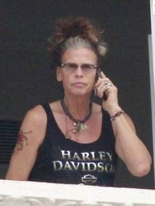 Steven Tyler Looks Like an Old Woman