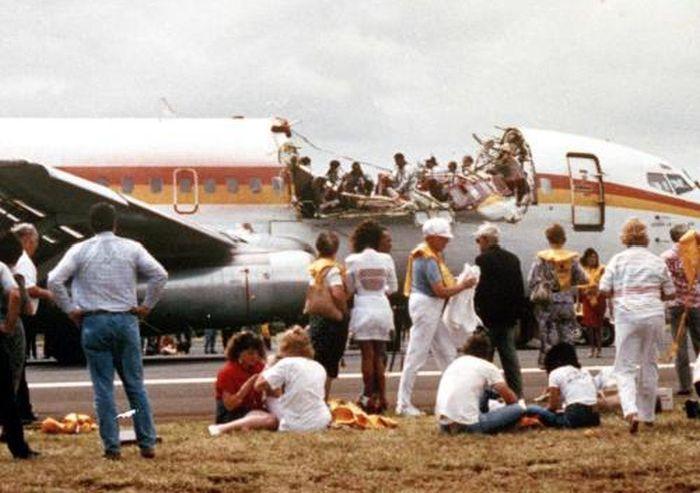 243 Aloha Airlines