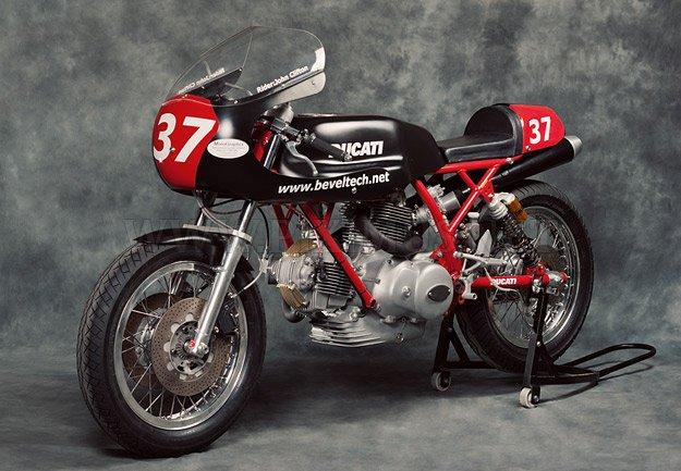 Ducati 900SS Racer
