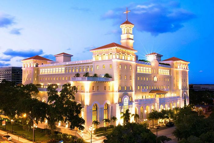 New Headquarters of the Church of Scientology