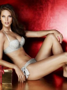 Sexy picture of Emily Didonato