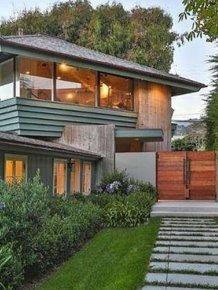 Leonardo DiCaprio's Malibu Beach House Is for Sale