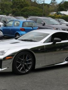 Chromed Lexus LFA