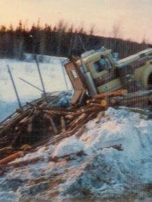 Train vs Log Truck