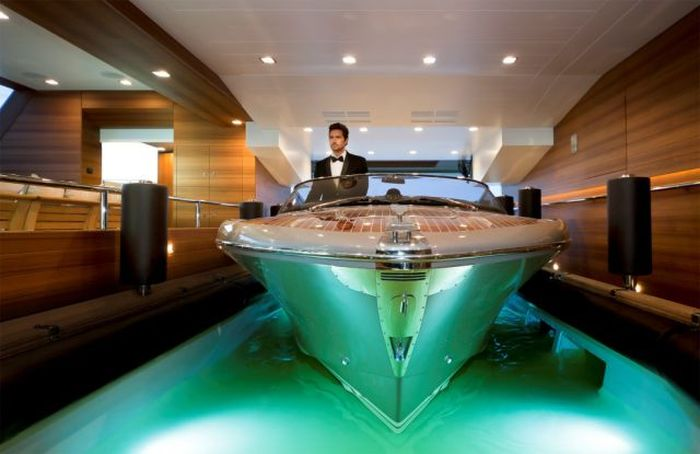 Awesome Luxury Yacht CRN 125 J'Ade