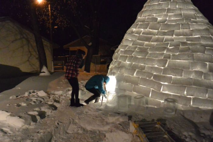 Guy Builds an Igloo in the Backyard