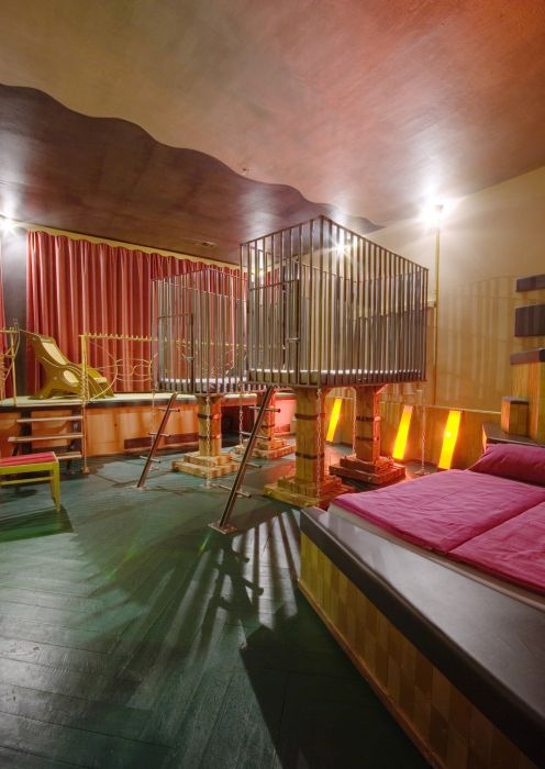 Propeller Island City Lodge