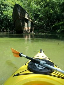 Kayakers Found a Ship with a Great Story