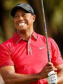 Tiger Woods Hits Fan in Head