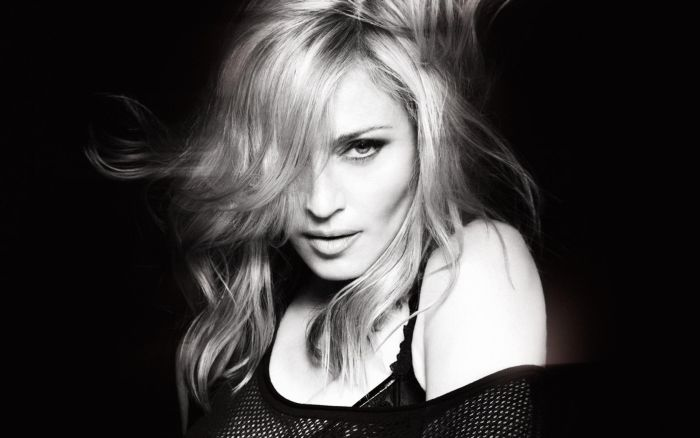 Madonna Shows Her Hairy Armpits