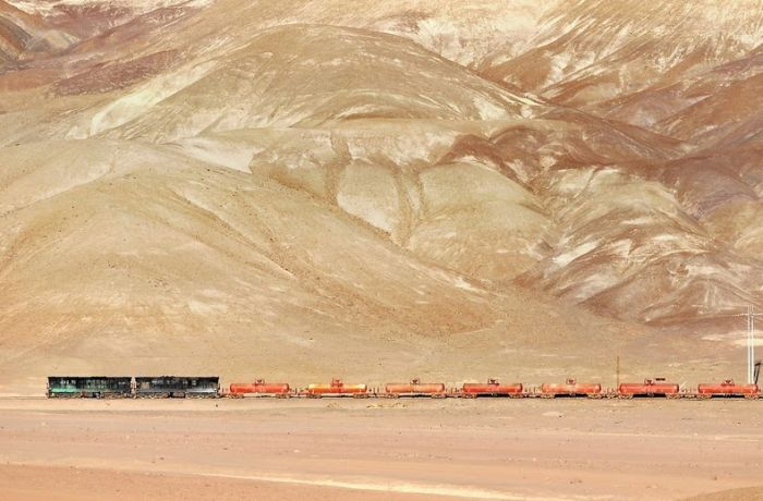 This Train Has An Amazing View Of The Andes