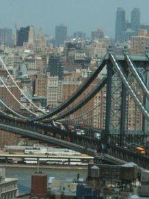 Homeless Man Makes The Manhattan Bridge His Home