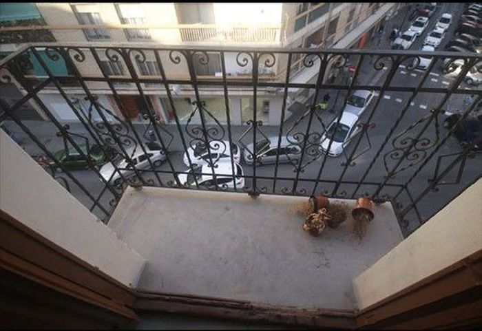 Awesome Idea To Make Your Balcony A Lot Cooler