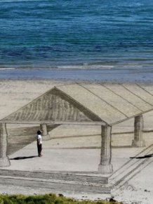 Amazing 3D Art At The Beach
