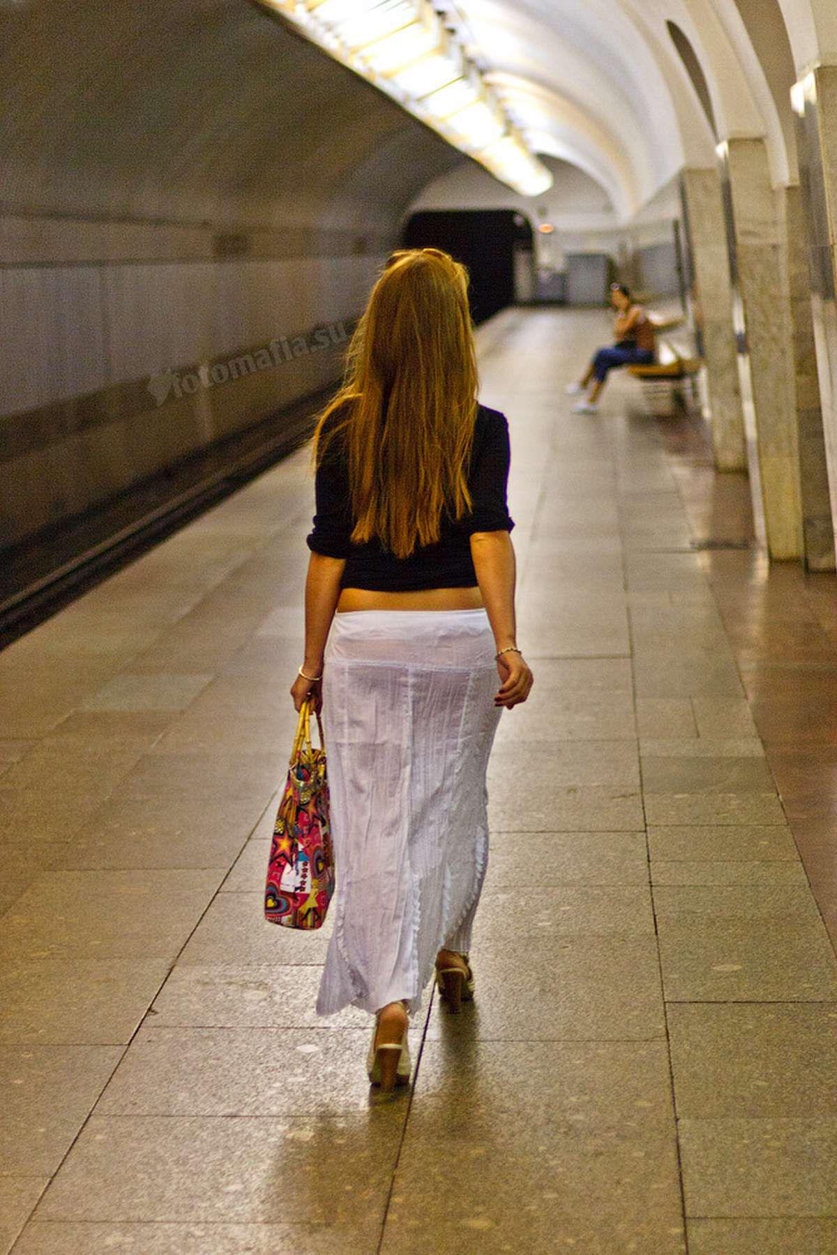 Фото девушек в прозрачных платьях 14 фотография