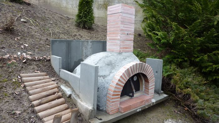 This Homemade Brick Oven Makes Awesome Pizza