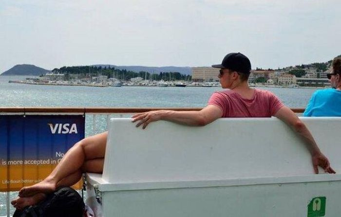 Perfectly Timed Photos That Make You Do A Doubletake