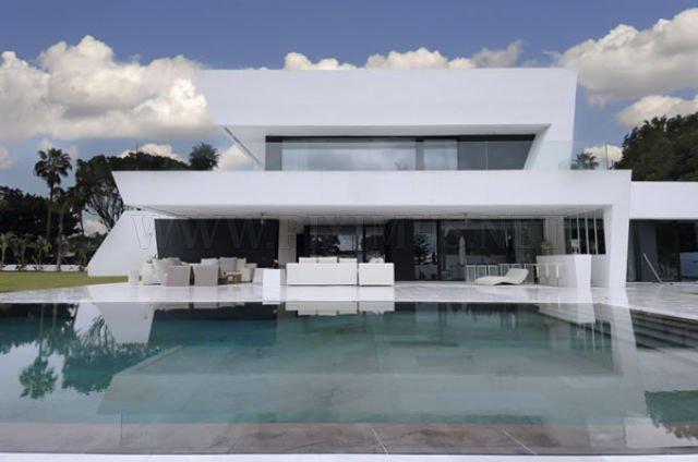 Elegant and Beautiful Sotogrande House