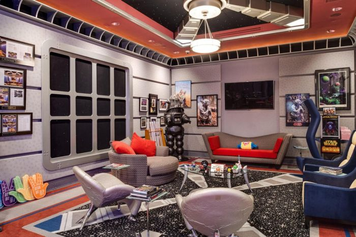 This House Has A Star Trek And A Call Of Duty Room