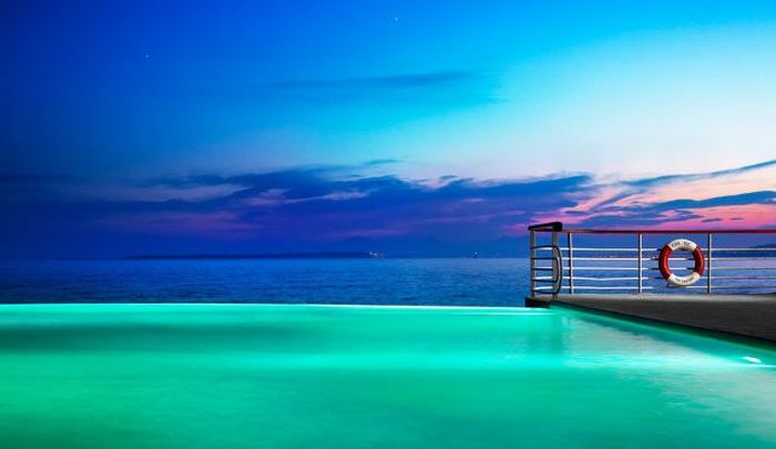 The World's Most Amazing Infinity Pools