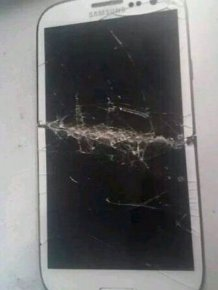 Don't Ever Keep Your Smartphone In Your Back Pocket