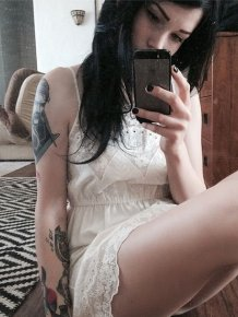 This Smoking Hot Suicide Girl Makes You Want To Live