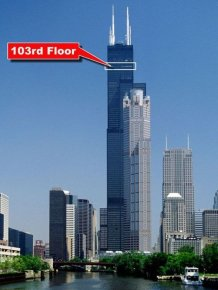 Willis Tower's Glass Skydeck Is Broken And Terrifying