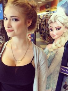 If Elsa From Frozen Was Real And Super Hot