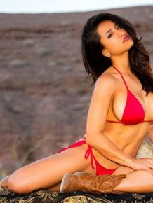 Nikki Rae – sexy pics
