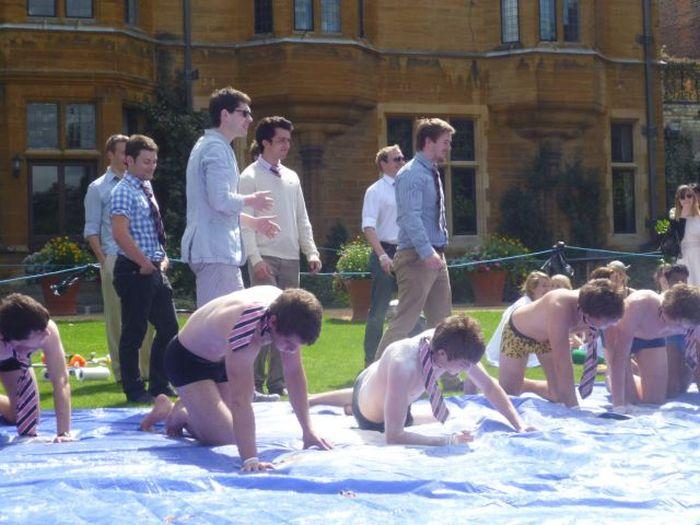 How Cambridge University Students Start Vacation